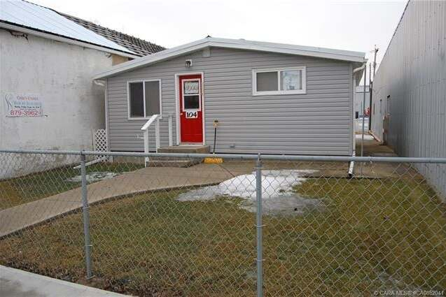 House for sale at 104 Main St Alliance Alberta - MLS: CA0082041