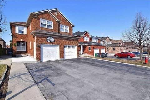 Townhouse for sale at 104 Oatfield Rd Brampton Ontario - MLS: W4706918