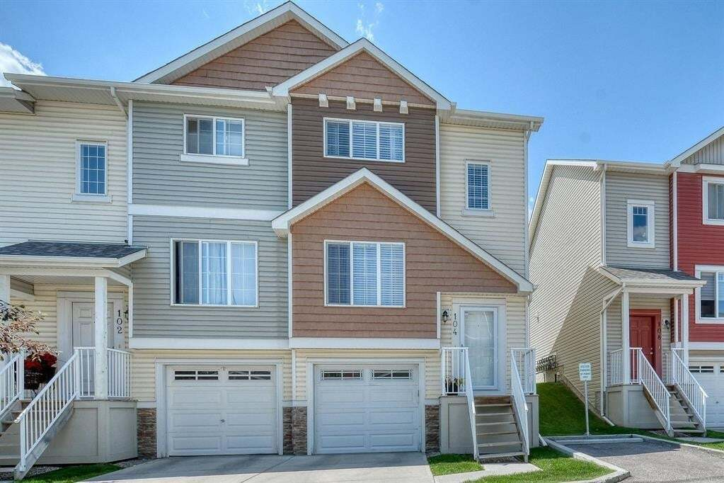 Townhouse for sale at 104 Pantego Ln Northwest Calgary Alberta - MLS: A1009054