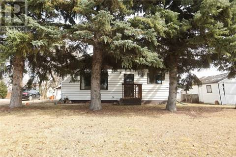 House for sale at 104 Staffa St Colonsay Saskatchewan - MLS: SK806000