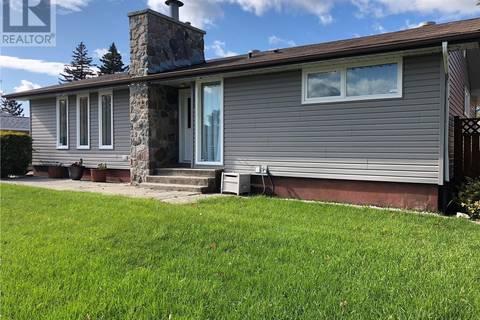 House for sale at 1040 Carlton Dr Esterhazy Saskatchewan - MLS: SK795797