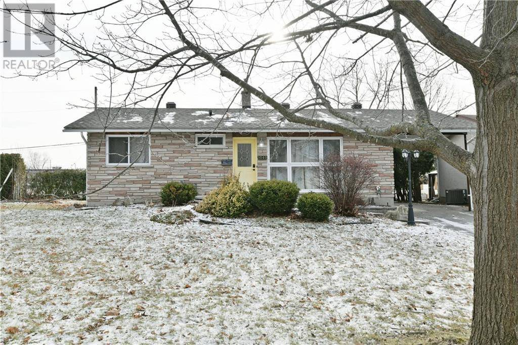House for sale at 1040 Gill Ave Ottawa Ontario - MLS: 1176779