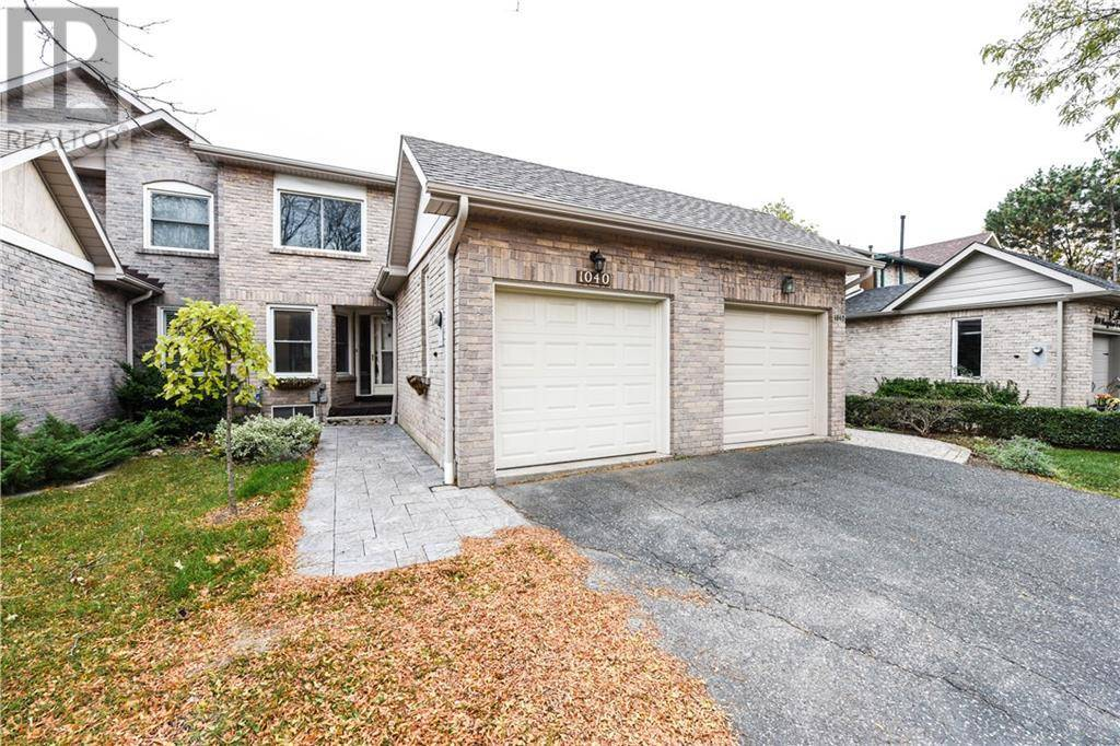 Townhouse for rent at 1040 Runnymead Cres Oakville Ontario - MLS: 30767559