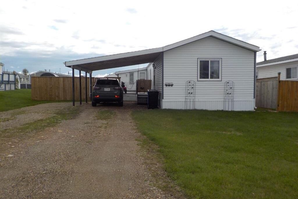 Home for sale at 10401 99 St North Fairview Alberta - MLS: A1001385