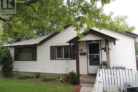 House for sale at 10402 96 St Grande Prairie Alberta - MLS: GP133507