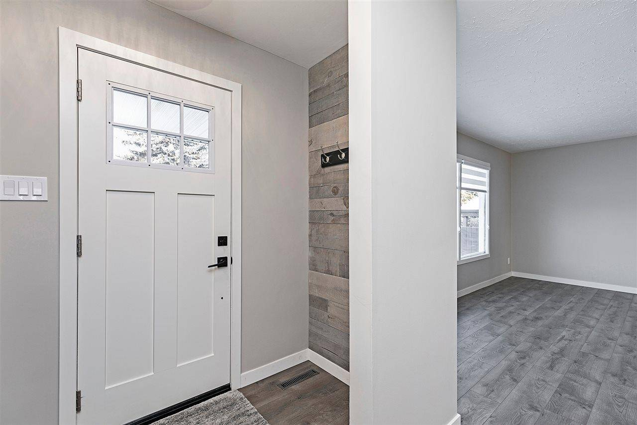 10407 42 Street Nw, Edmonton | Image 2