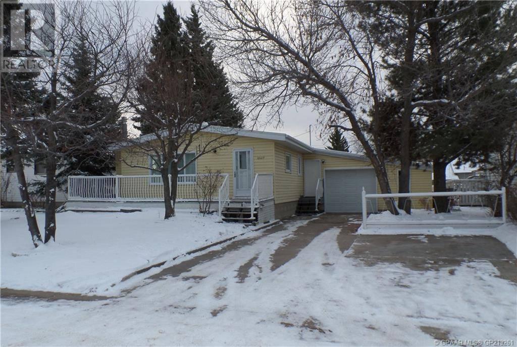House for sale at 10417 111 Ave Grande Prairie Alberta - MLS: GP213261