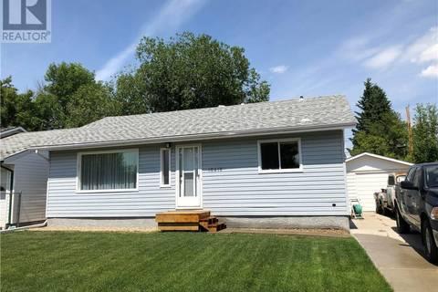 House for sale at 10418 110 Ave Grande Prairie Alberta - MLS: GP206201