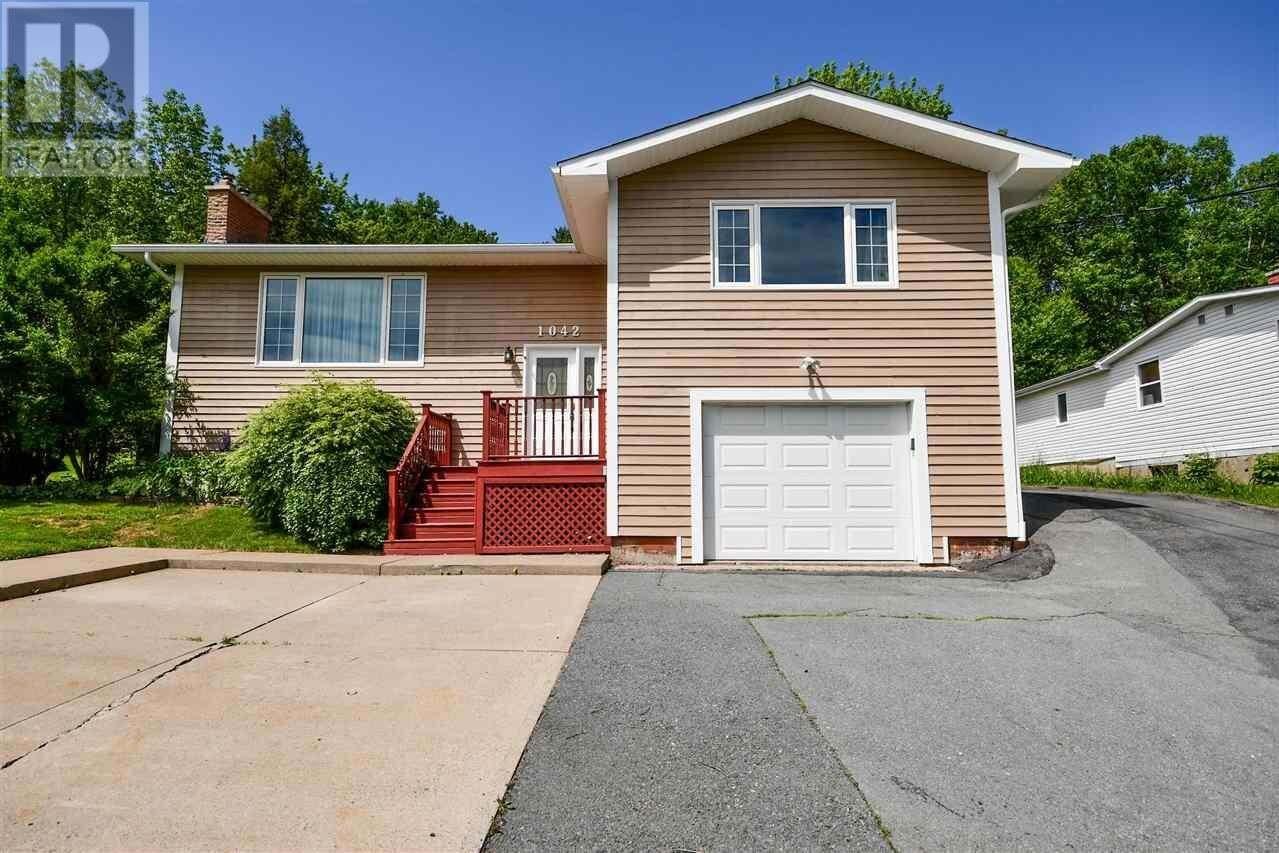 House for sale at 1042 Beaver Bank Rd Beaver Bank Nova Scotia - MLS: 202007975