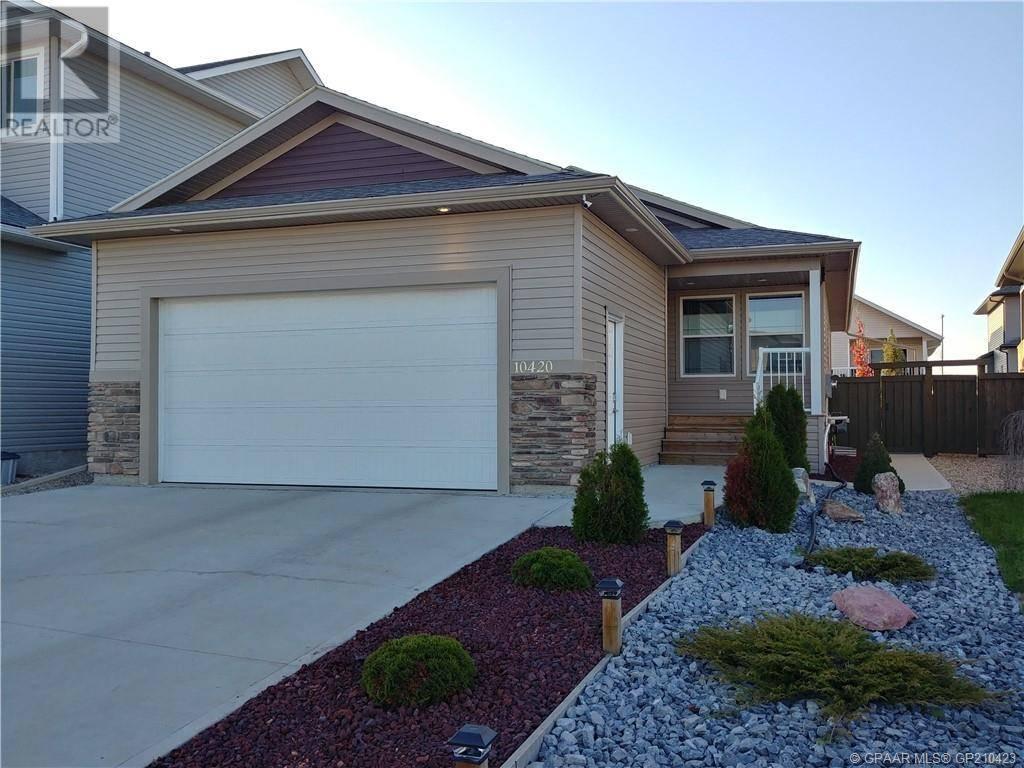 House for sale at 10420 128 Ave Grande Prairie Alberta - MLS: GP210423