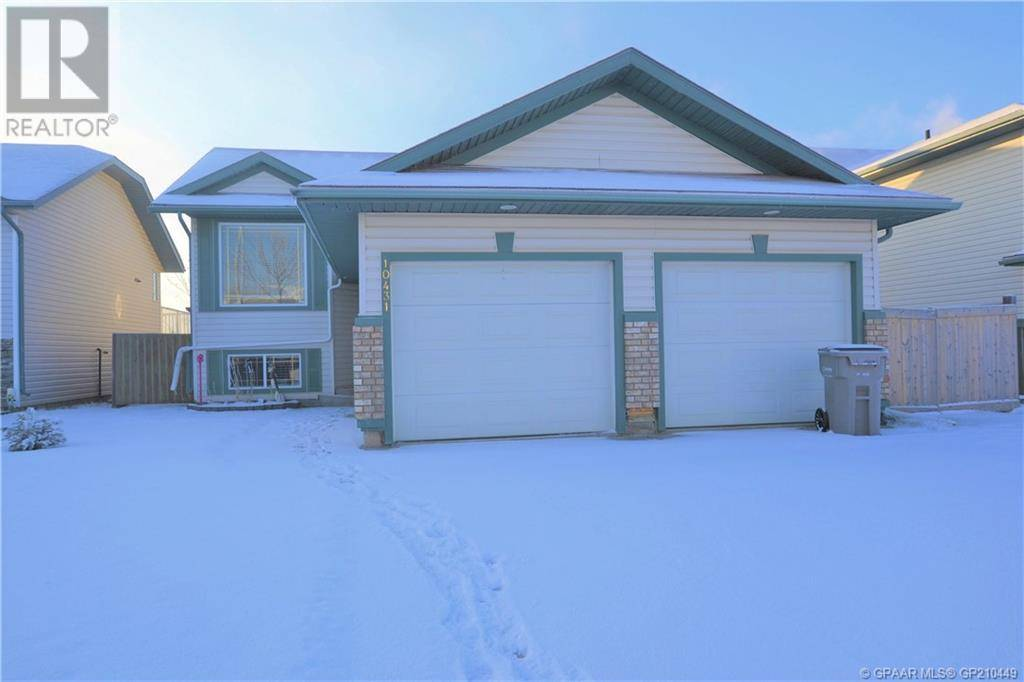 House for sale at 10431 119 Ave Grande Prairie Alberta - MLS: GP210449