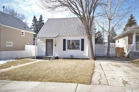 House for sale at 1044 Connaught Ave Moose Jaw Saskatchewan - MLS: SK802985