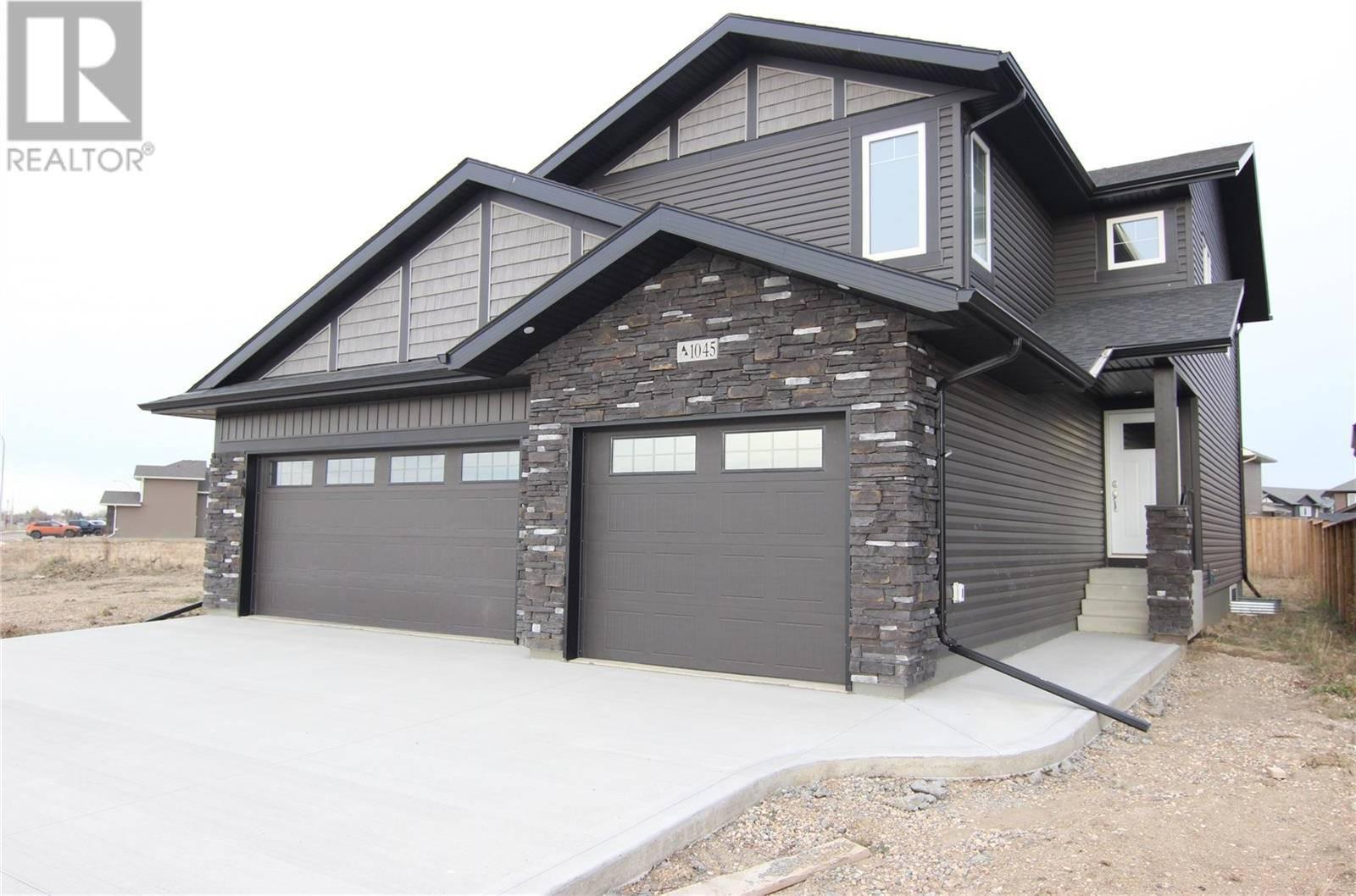 House for sale at 1045 3rd St N Martensville Saskatchewan - MLS: SK790153