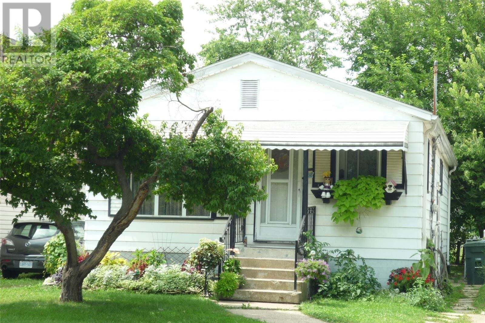 House for sale at 1045 Josephine Ave Windsor Ontario - MLS: 20010166