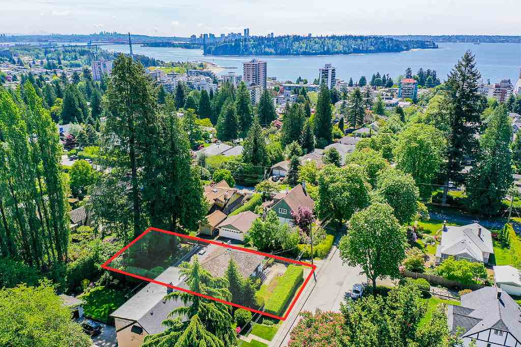 Removed: 1046 17th Street, West Vancouver, BC - Removed on 2019-05-30 05:33:20