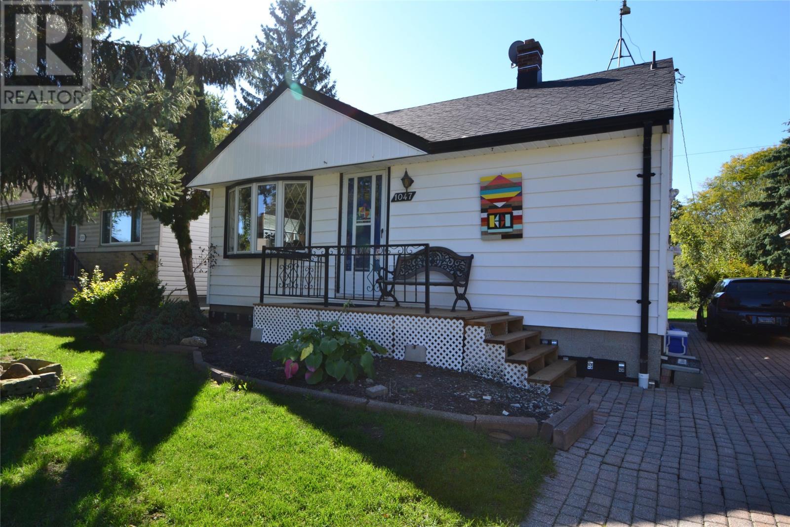 Removed: 1047 Glidden Avenue, Windsor, ON - Removed on 2018-10-26 05:45:07
