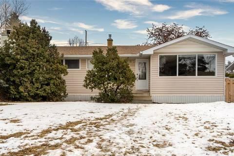 House for sale at 1049 Hopkins Cres Moose Jaw Saskatchewan - MLS: SK798715