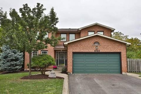 House for sale at 1049 Manchester Cres Oakville Ontario - MLS: W4605386