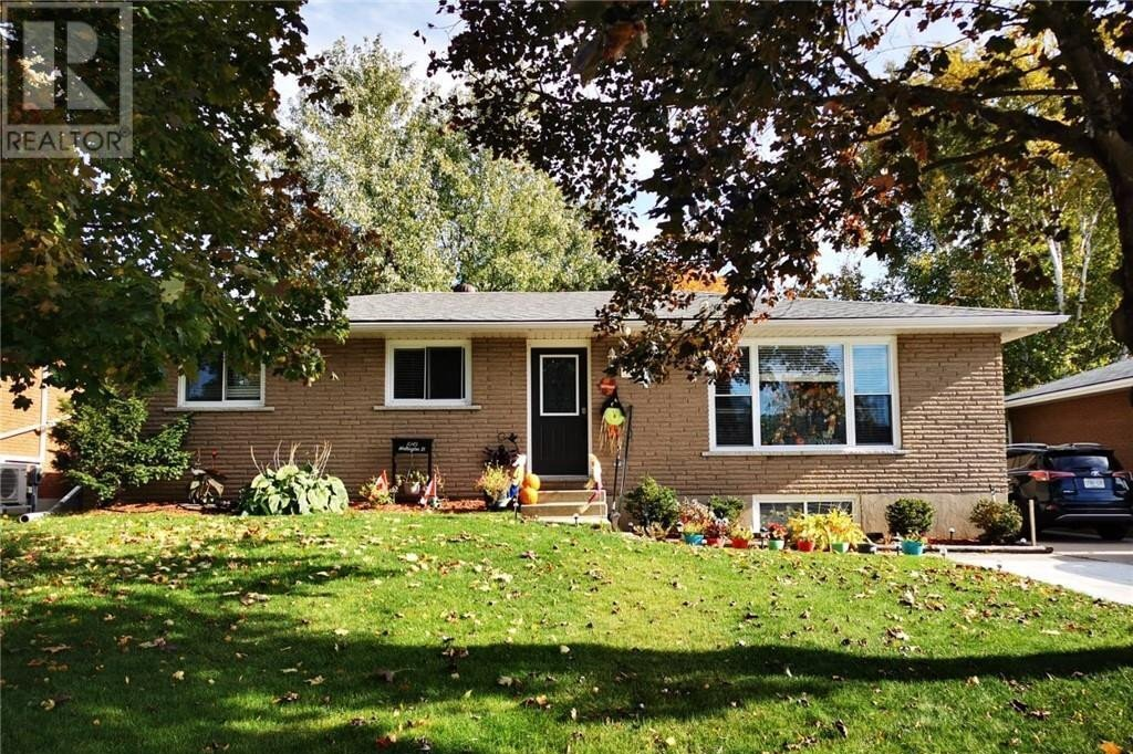 House for sale at 1049 Wellington St Saugeen Shores Ontario - MLS: 40035371