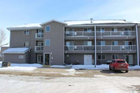 Condo for sale at 1822 Eaglesham Ave Unit 105 Weyburn Saskatchewan - MLS: SK800948