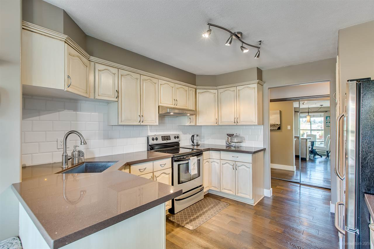105 2 renaissance square new westminster for sale 759 900