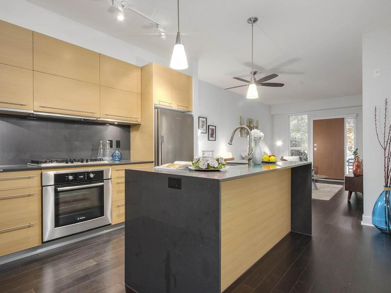 Sold: 105 - 2020 W 12th Avenue, Vancouver, BC