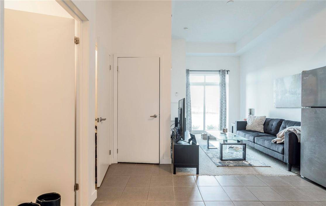 Condo for sale at 2490 Old Bronte Rd Unit 105 Oakville Ontario - MLS: H4074896