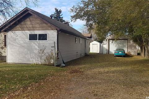 House for sale at 105 2nd St NW Watson Saskatchewan - MLS: SK789570