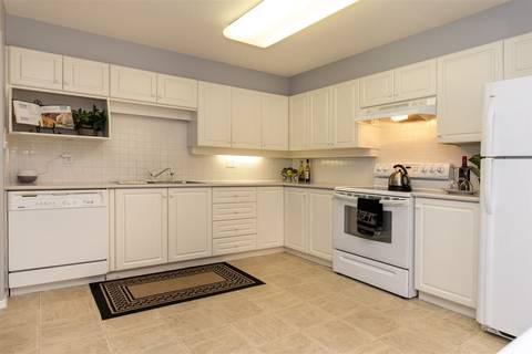Condo for sale at 33731 Marshall Rd Unit 105 Abbotsford British Columbia - MLS: R2381091
