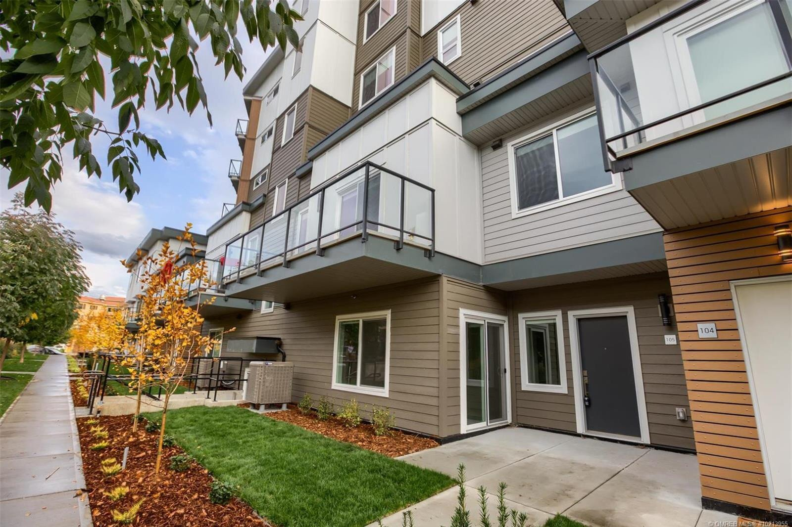 Townhouse for sale at 3630 Mission Springs Dr Unit 105 Kelowna British Columbia - MLS: 10213955
