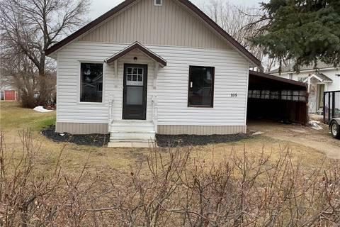 House for sale at 105 3rd Ave W Kelvington Saskatchewan - MLS: SK800505