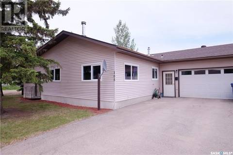 Residential property for sale at 105 5th Ave Aberdeen Saskatchewan - MLS: SK767674