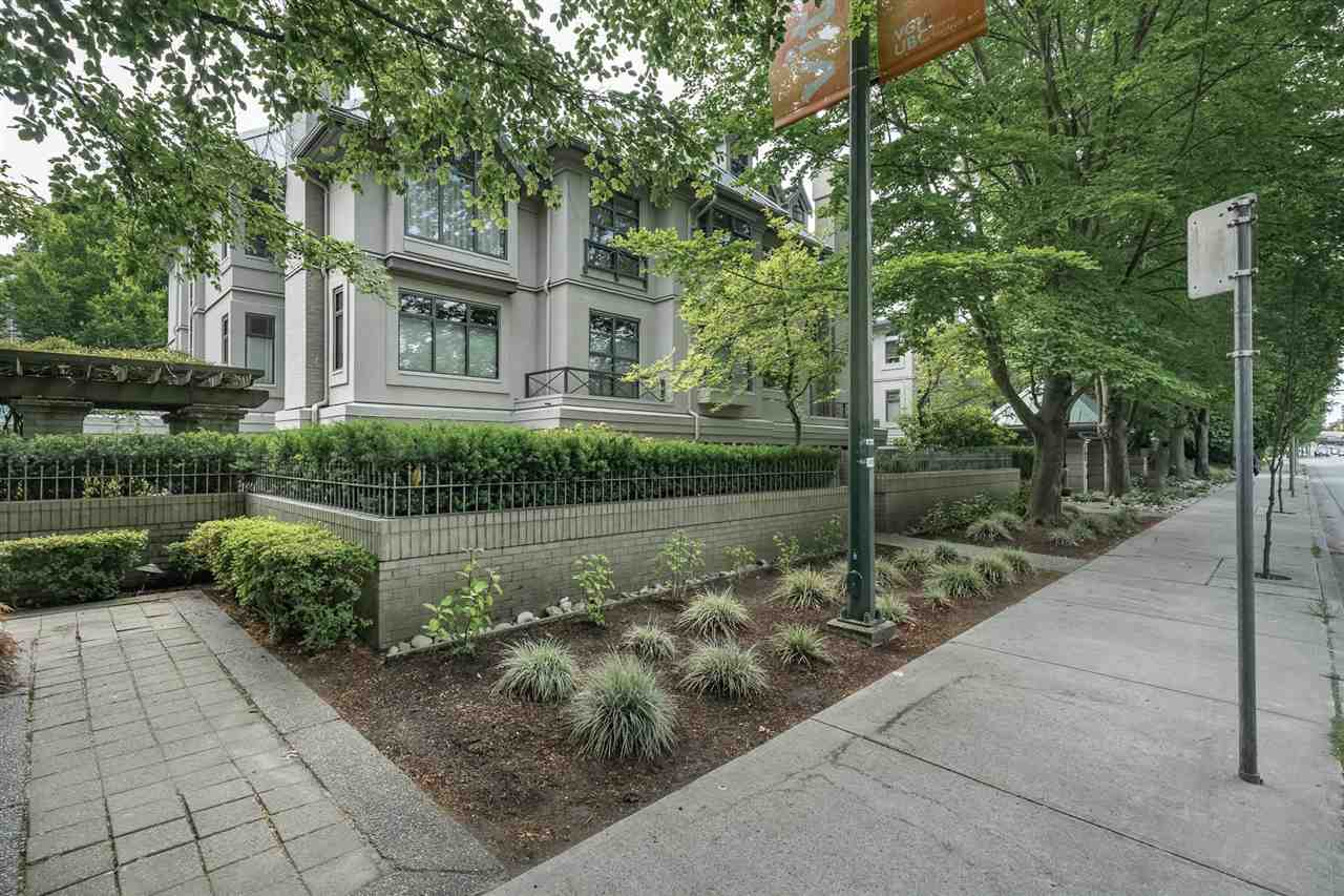 Sold: 105 - 688 West 12 Avenue, Vancouver, BC