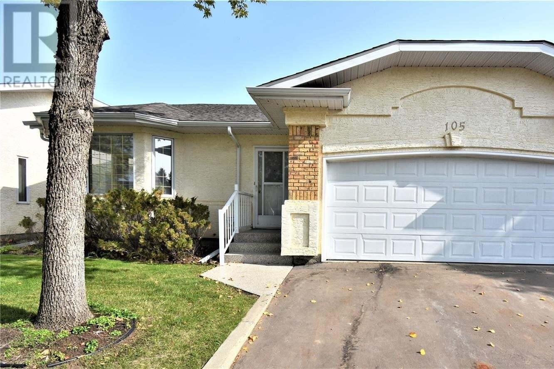 Townhouse for sale at 803 Heritage Cres Unit 105 Saskatoon Saskatchewan - MLS: SK827435