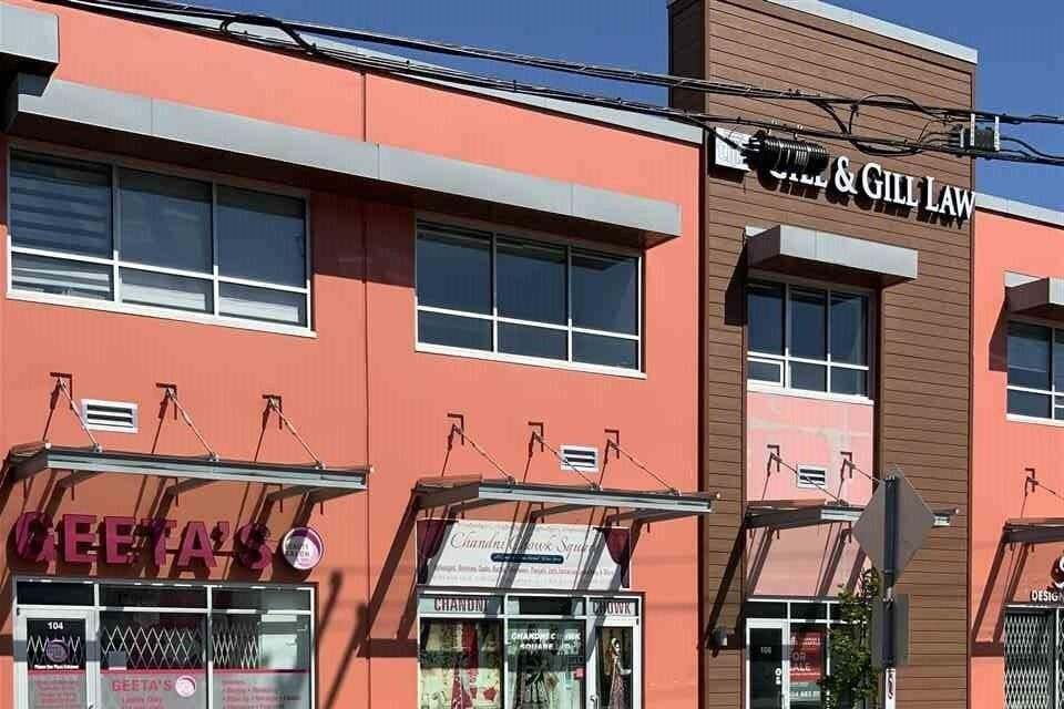 Commercial property for sale at 8078 128 St Unit 105 Surrey British Columbia - MLS: C8034447