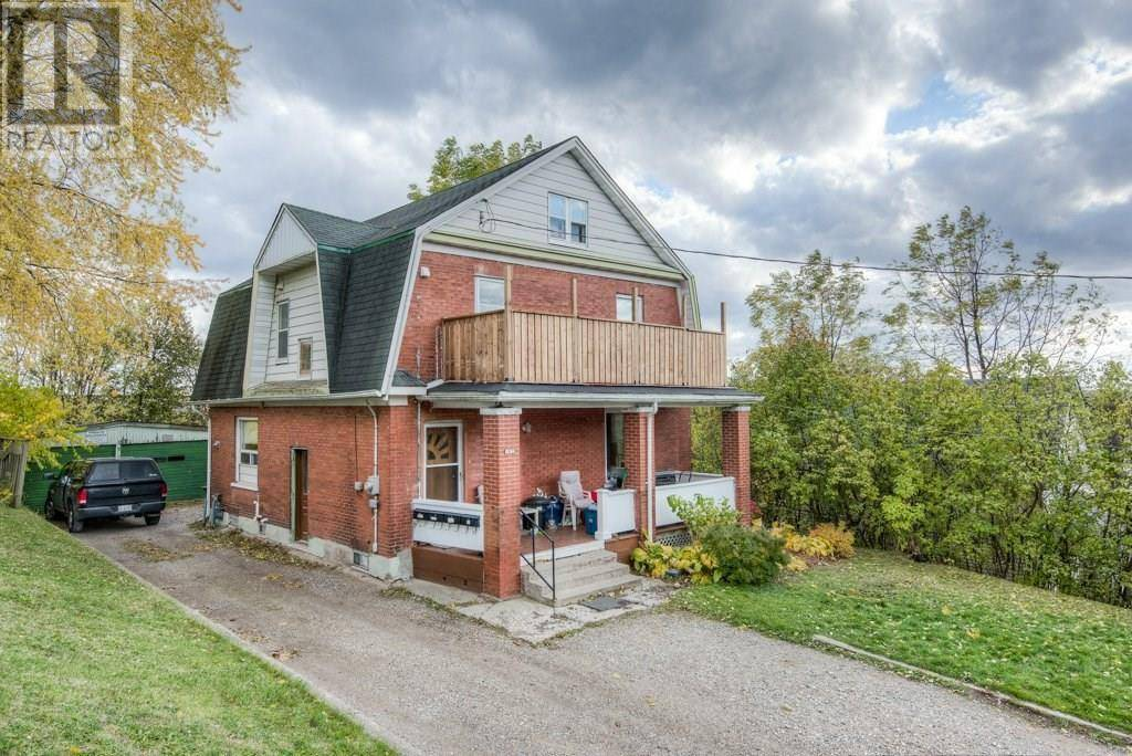 Townhouse for sale at 105 Cedar St South Kitchener Ontario - MLS: 30773197