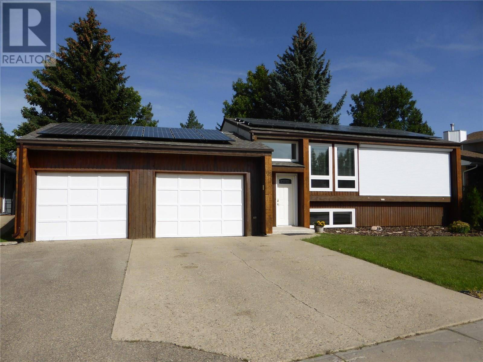 105 Edelweiss Crescent Moose Jaw For Sale 289 900