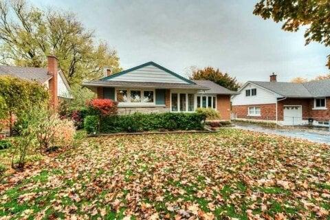 House for sale at 105 Elgin Cres Waterloo Ontario - MLS: X4965771