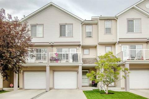 Townhouse for sale at 105 Everhollow Ht Southwest Calgary Alberta - MLS: C4260888
