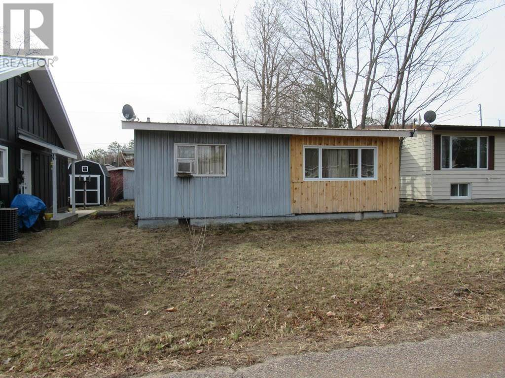 House for sale at 105 Glendale Ave Deep River Ontario - MLS: 1185010