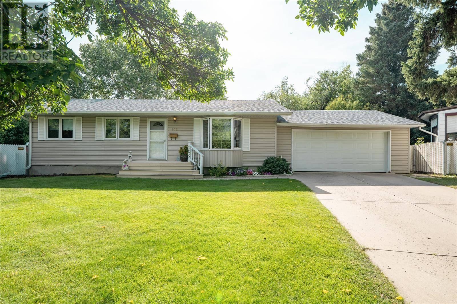 House for sale at 105 Mcmaster Cres Saskatoon Saskatchewan - MLS: SK784223