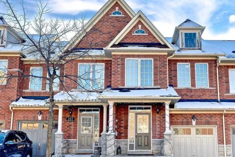 Townhouse for sale at 105 Royal Vista Rd Brampton Ontario - MLS: W5055808