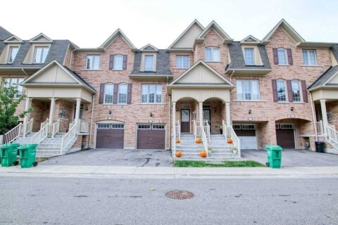 Townhouse for rent at 105 Sea Drifter Cres Brampton Ontario - MLS: W4986412