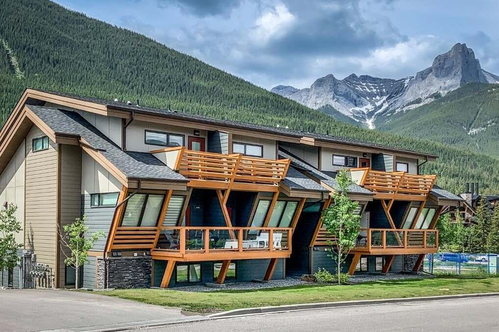Townhouse for sale at 105 Stewart Creek Ri Canmore Alberta - MLS: A1006696