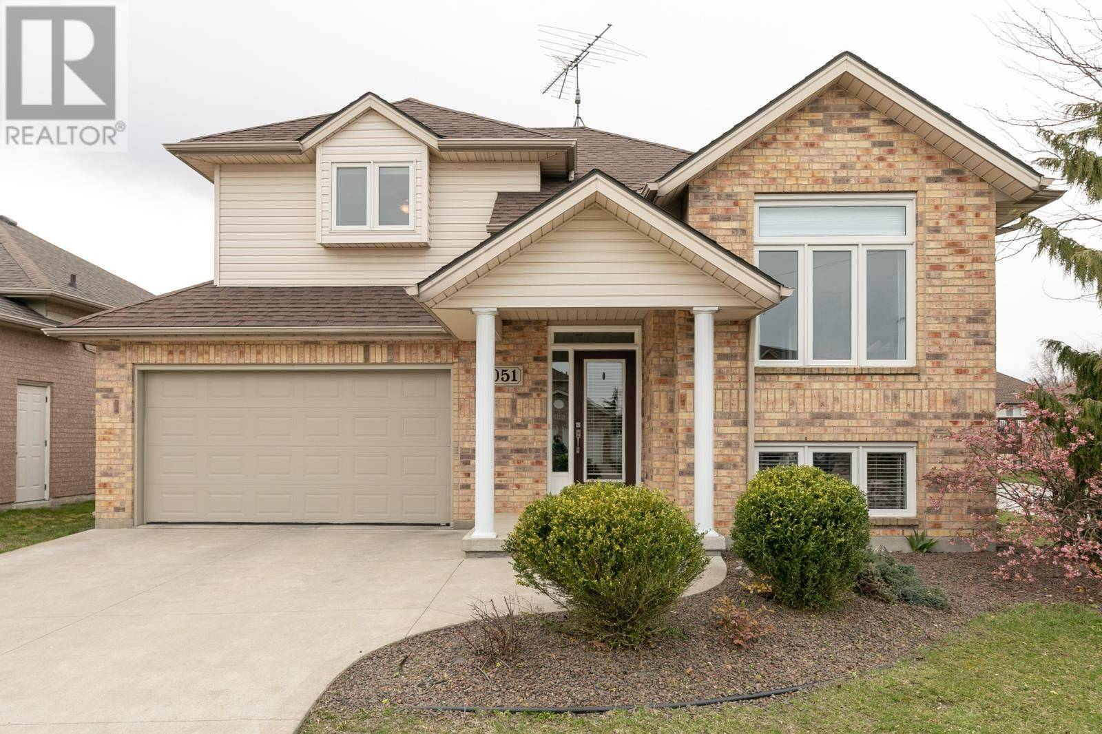 House for sale at 1051 Cora Greenwood  Windsor Ontario - MLS: 20004070