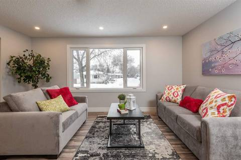10521 164 Street Nw, Edmonton | Image 2