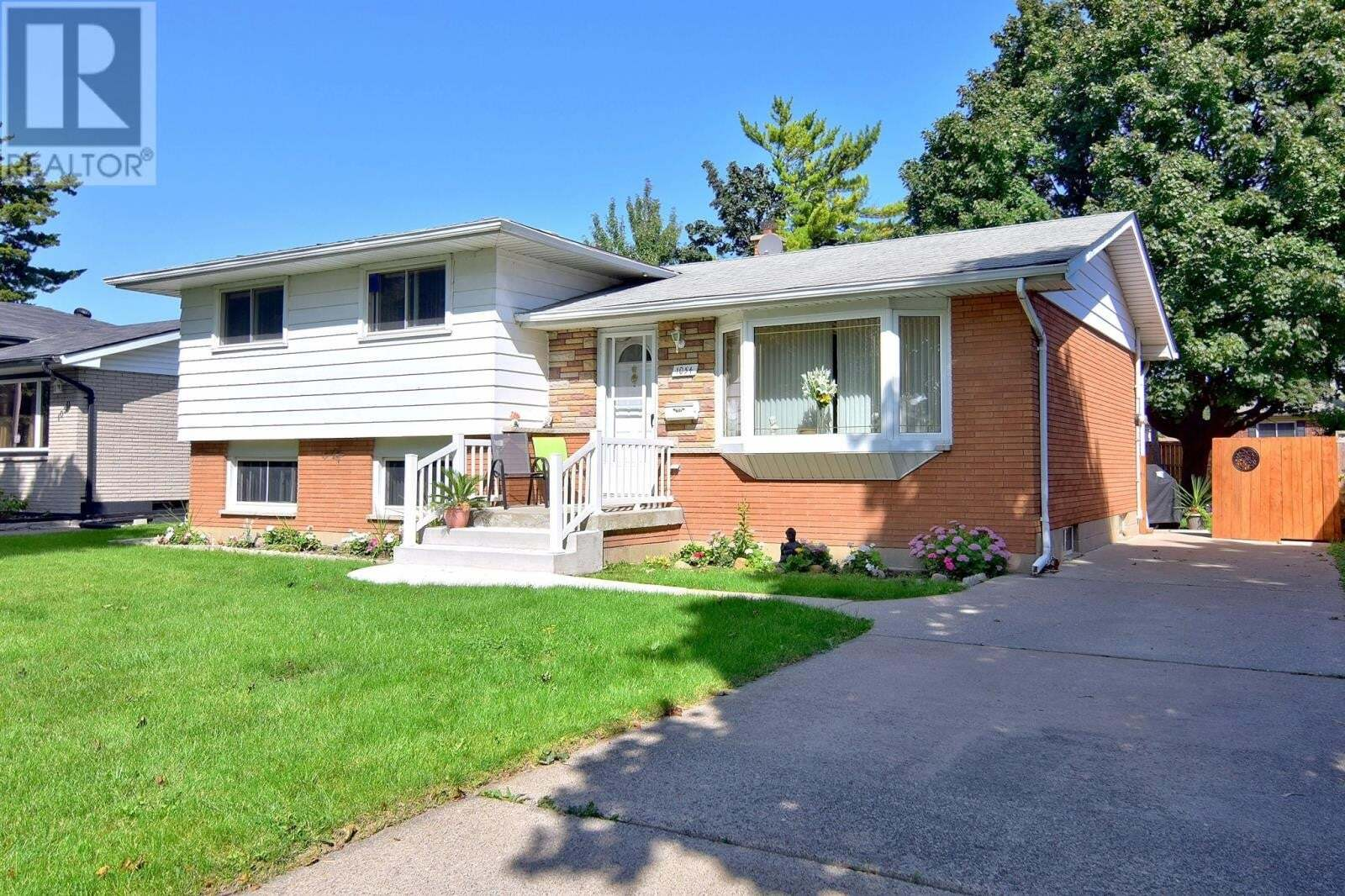 House for sale at 1054 Frank  Windsor Ontario - MLS: 20012174