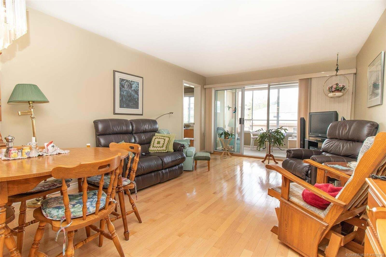 Condo for sale at 1055 Lawrence Ave Kelowna British Columbia - MLS: 10208436