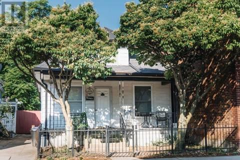 House for sale at 1059 Drouillard  Windsor Ontario - MLS: 19021275