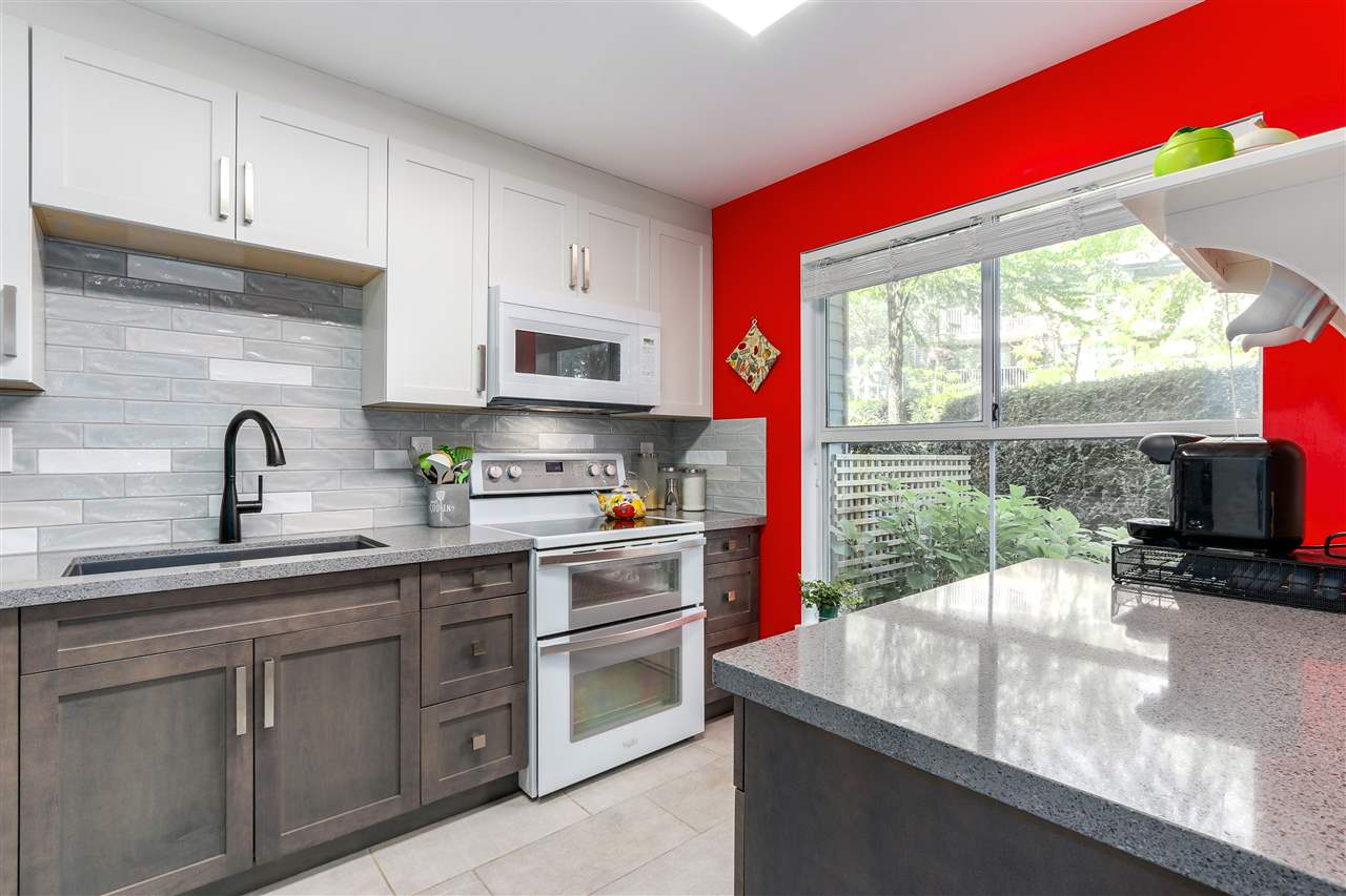 Buliding: 15150 108 Avenue, Surrey, BC